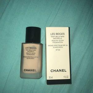 Chanel les beige #20 foundation